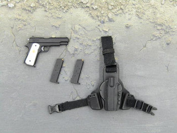 GI JOE - Joe Colton - Pistol w/Pearl Grips & Left Side Holster