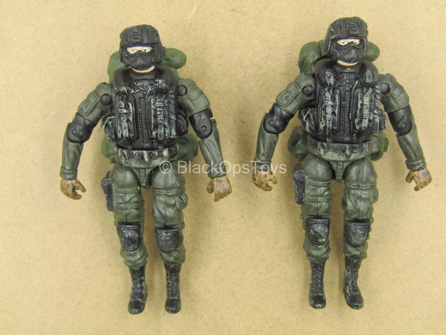 1/18 - Male Molded Dressed Body w/Backpack (x2)
