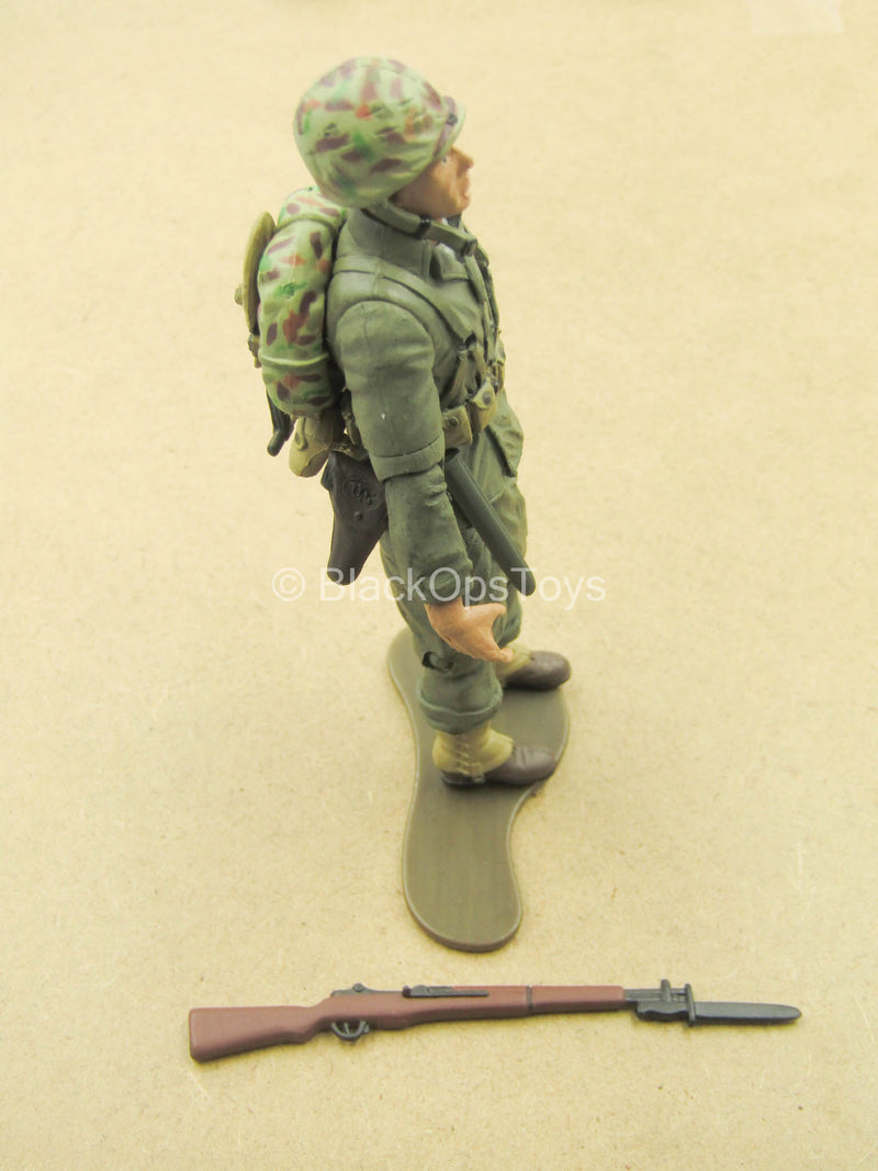 1/18 - WWII - Male Molded Body w/M1 Garand & Pouch Set