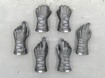 Metal Gear Solid 3 - Black Gloved Hand Set (x6)