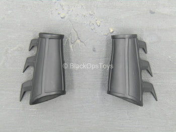 The Dark Knight - Black Bladed Forearm Guards