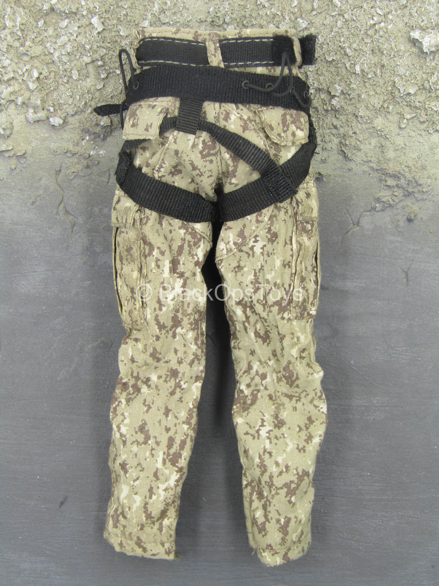 USMC - 2ND FAST - Desert MARPAT Camo Uniform Set w/Harness