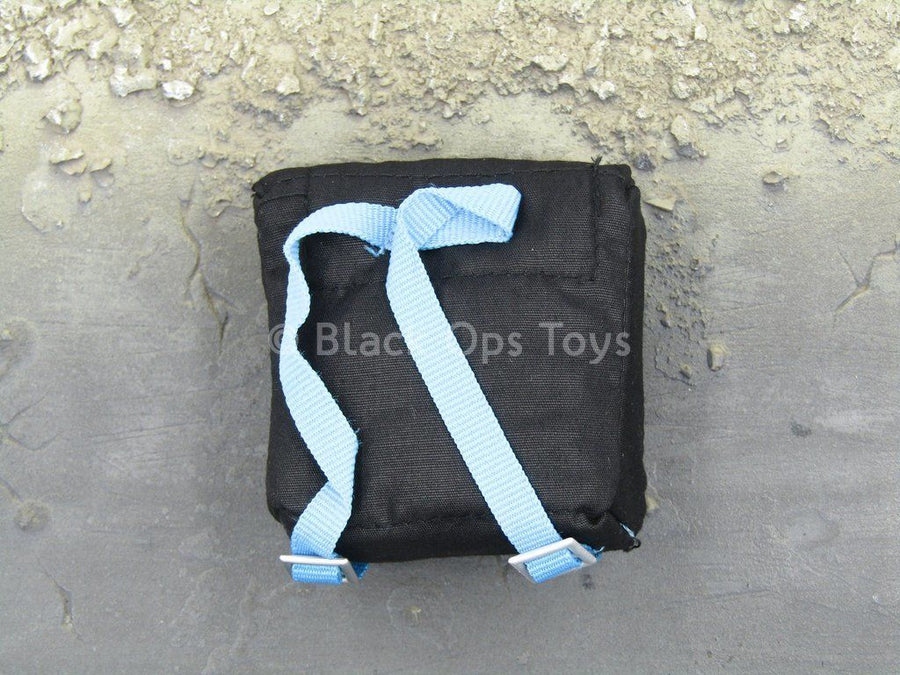 007 - James Bond - Black Bag w/Blue Straps