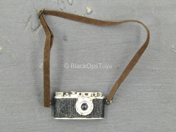 WWII - Luftwaffe BF110 Pilot - Camera w/Leather Like Strap