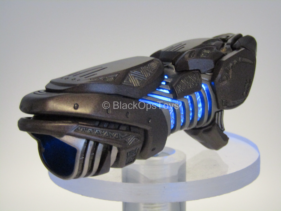 Black Panther - Shuri - Light Up Wrist Blaster (L&R)