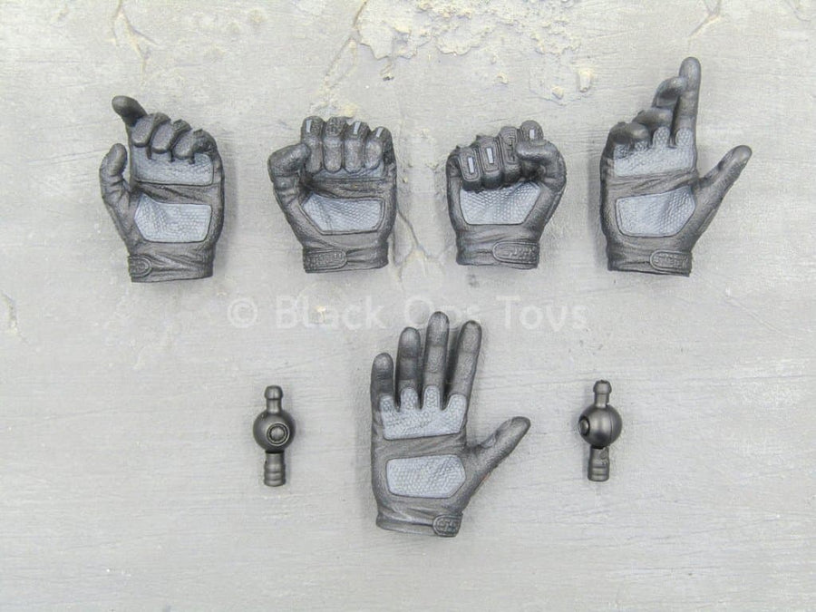 GI JOE - Snake Eyes - Black Gloved Hand Set (x5) Ver. 2