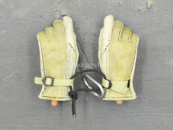 US Air Force Combat Controller - Nomex Flight Gloved Hands (x2)