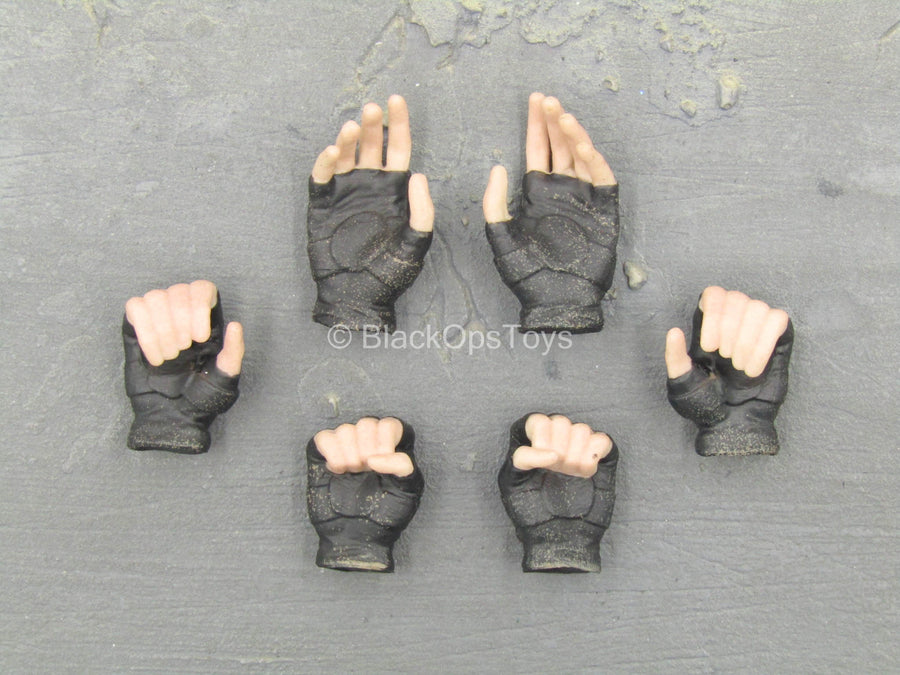 Lady Samurai - Female Fingerless Gloved Hand Set (x6)