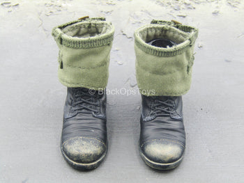 WWII - British Sergeant - Black Combat Boot w/Gaiters & Feet