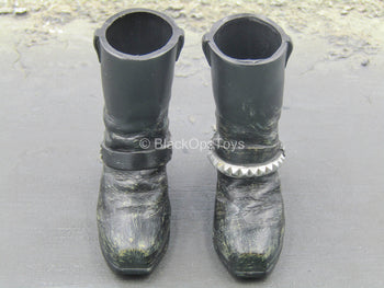 Terminator - Battle Damaged T-800 - Black Boots (Foot Type)