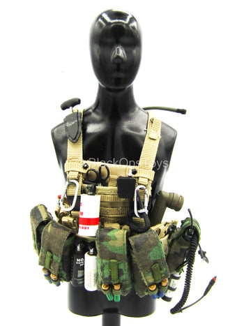 Tan MOLLE Vest w/Gear Set