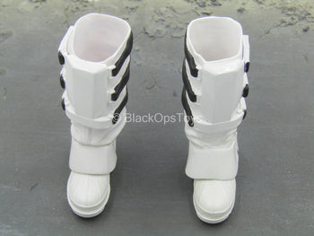 STAR WARS - Snowtrooper - Black & White Boots (Peg Type)