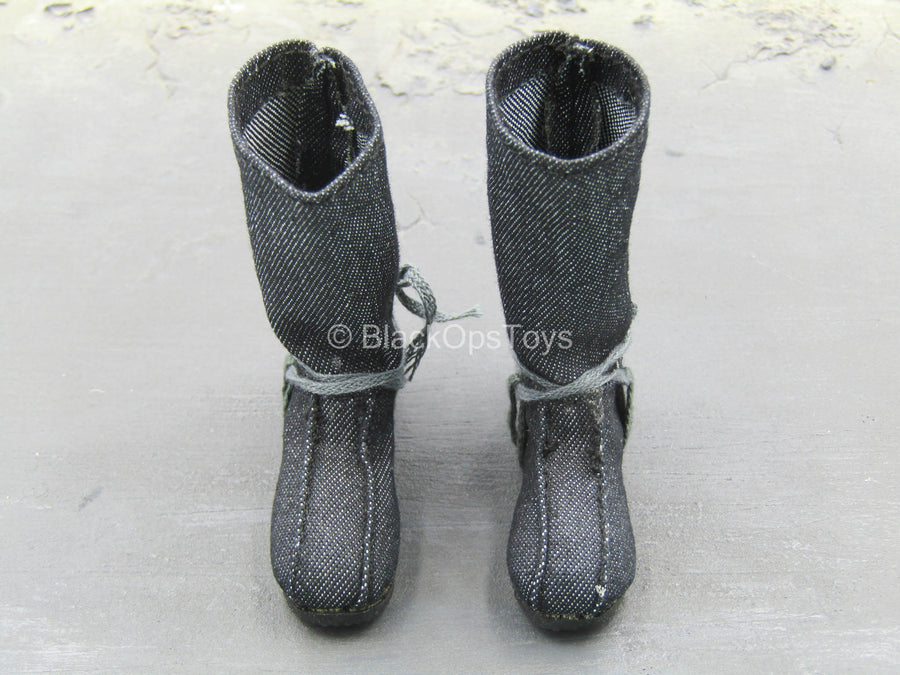 Grey Boots (Foot Type)