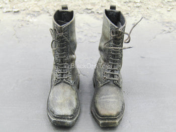 Weathered Black Combat Boots (Peg Type)