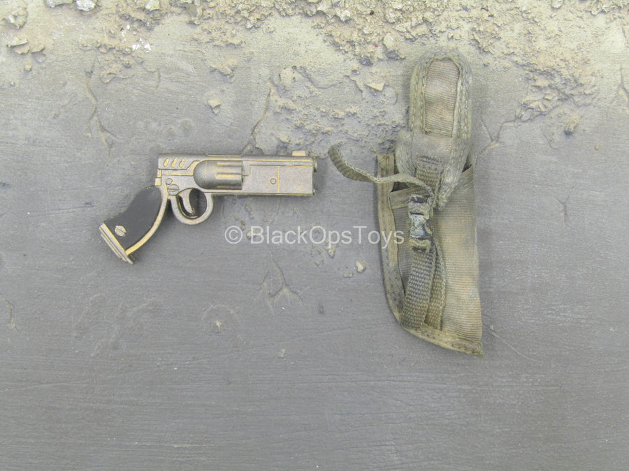 Barguest de Plume - Futuristic Pistol w/Right Side Belt Loop Holster