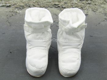 Apollo 11 Astronauts - Lunar Overboots (Foot Type)