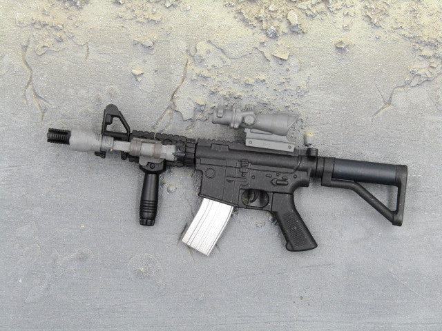 One Sixth Scale Model Gun 250 003
