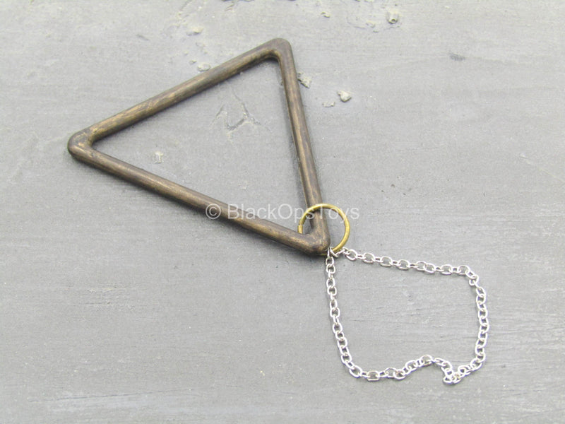 Monty Python THG - Wood Like Triangle w/Chain