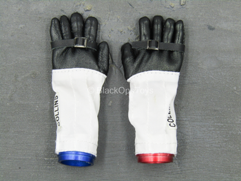 "Apollo 11 Astronauts - ""Collins"" Gloved Bendy Hand Set"