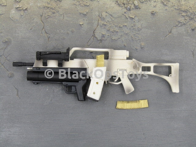 One Sixth Scale Model Gun 271 005
