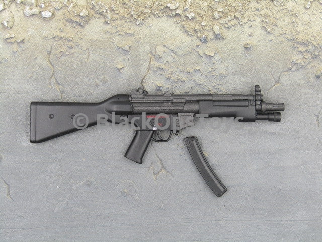 One Sixth Scale Model Gun 305 009