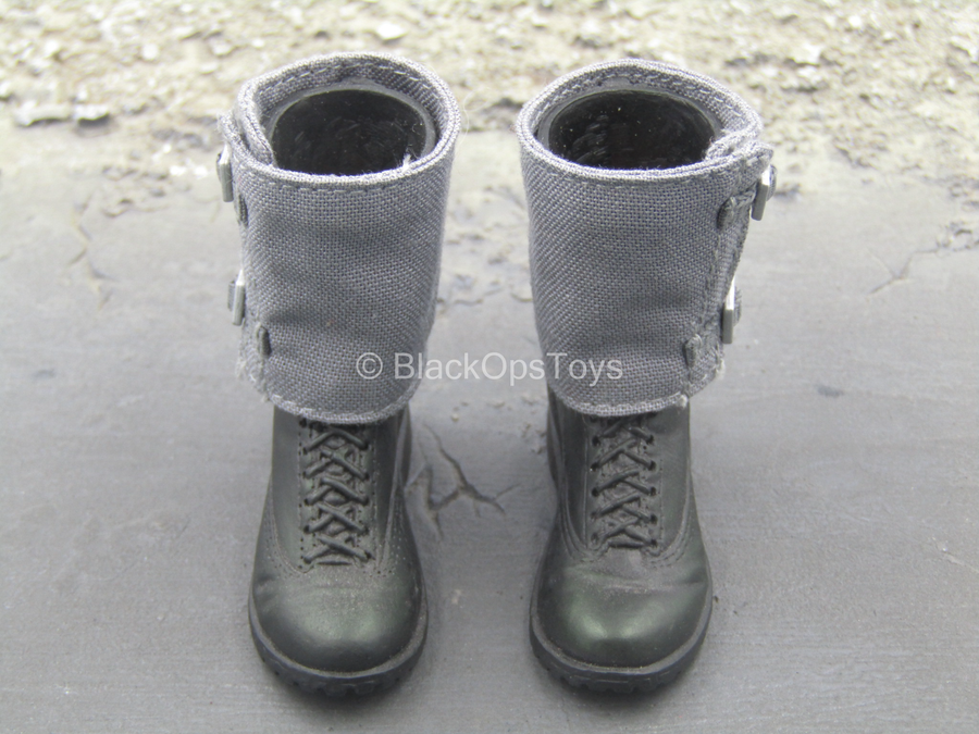 GI JOE - Cobra Saboteur - Black Boots w/Gaiters (Peg Type)