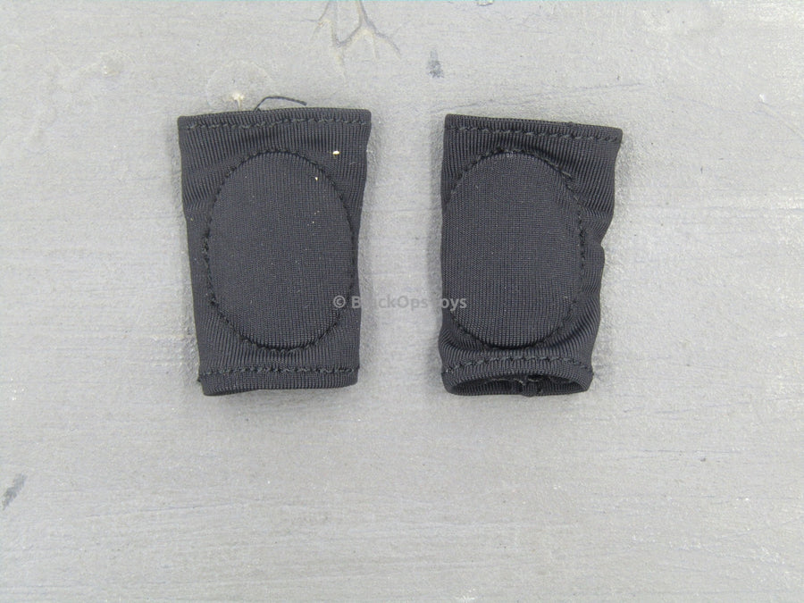 """CATCH ME"" - Black Tactical Fabric Knee Pads"