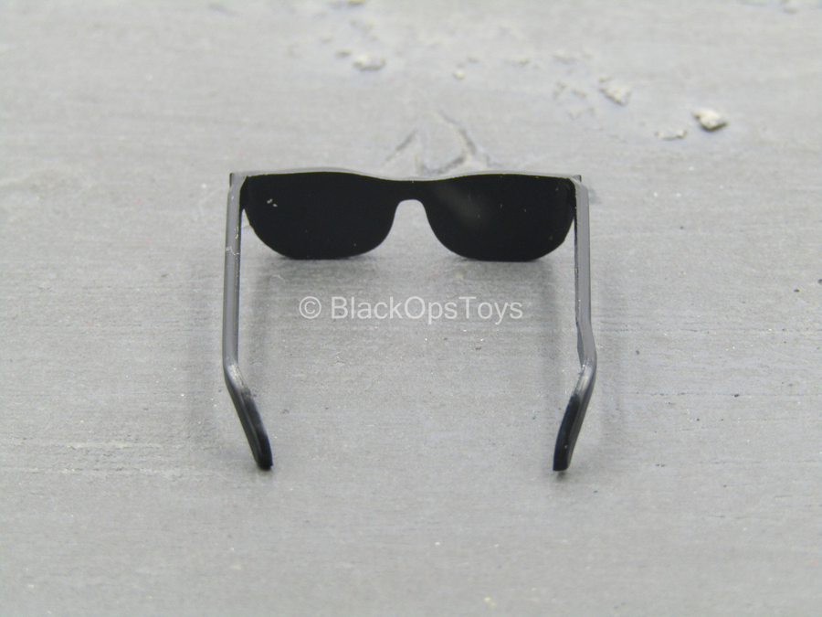 Black Glasses w/Black Lenses