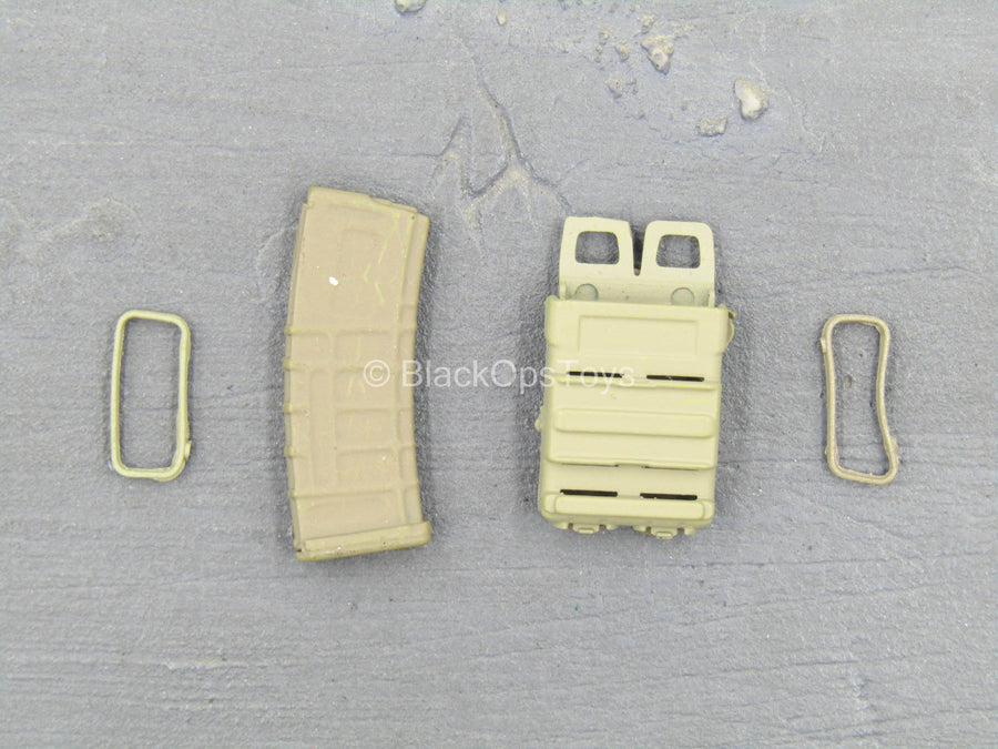 US Army - Tan AR Magazine Holster w/Magazine