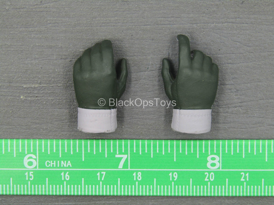 WWII - Big Mama - Tanya - Dark Green & Grey Gloved Hand Set