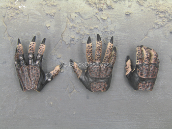 Predator - Male Yautja Hand Set