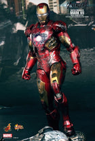 Avengers - Iron Man Mark VII (Battle Damaged Version) - MIOB (Read Desc)