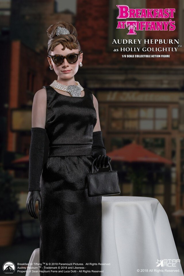 Breakfast At Tiffany's - Holly - Black Hand Bag