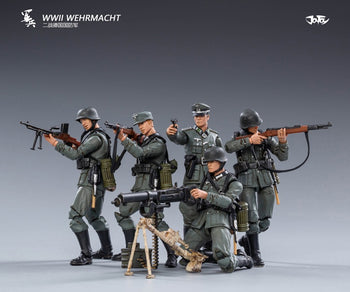 1/18 Scale - WWII - German Wehrmacht Figure Set - MINT IN BOX