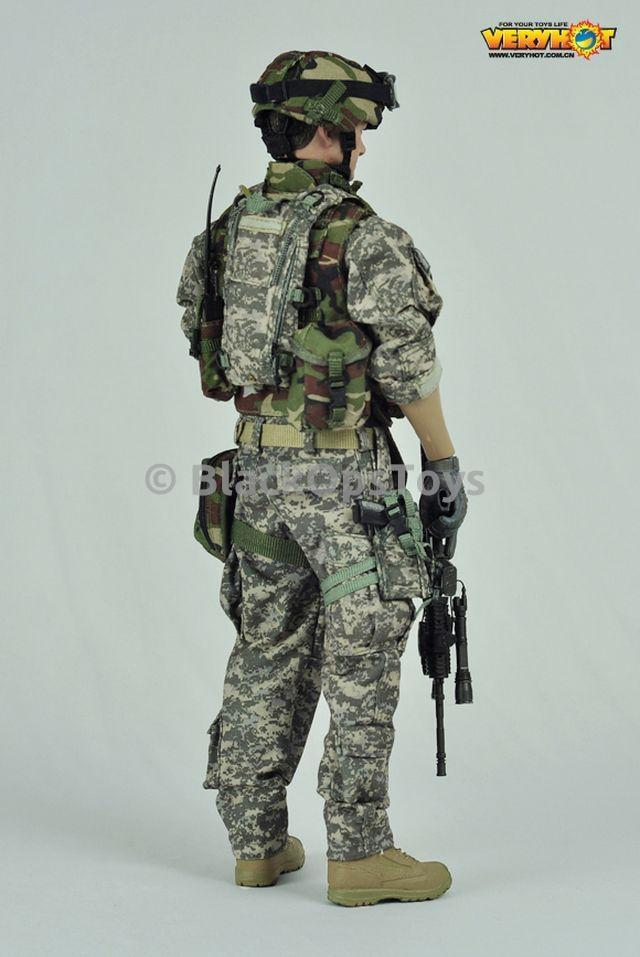 US Army EOD - Black M4 Assault Rifle w/Extended Stock