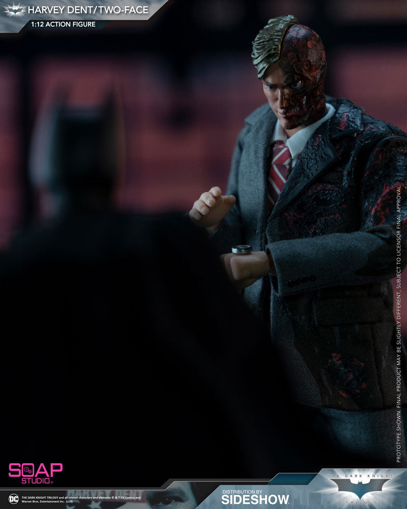 1/12 - Harvey Dent - Male Hand Set (Type 2)