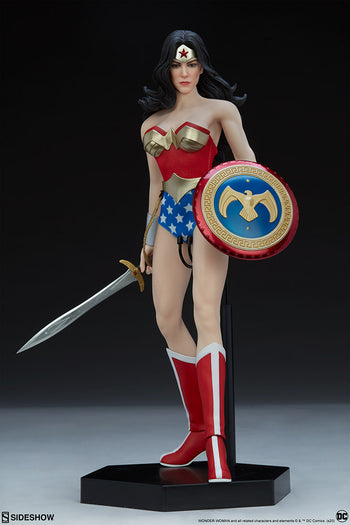 Wonder Woman Exclusive - MINT IN BOX