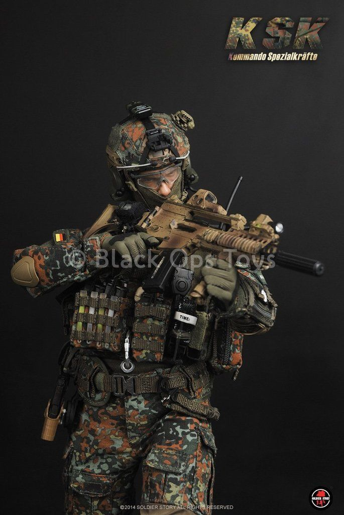 German Kommando Spezialkräfte - Tan HK G36 w/Accessory Set
