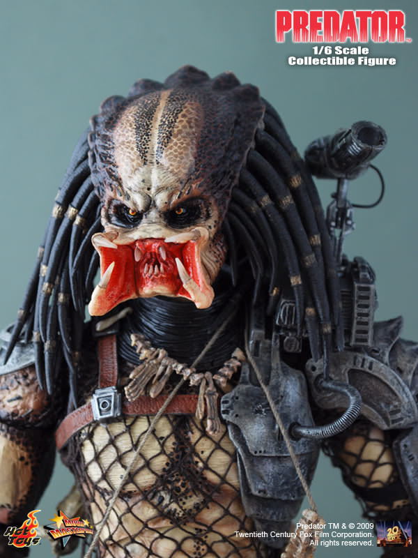 Predator - Light Up Face Mask w/Chest Armor DAMAGED