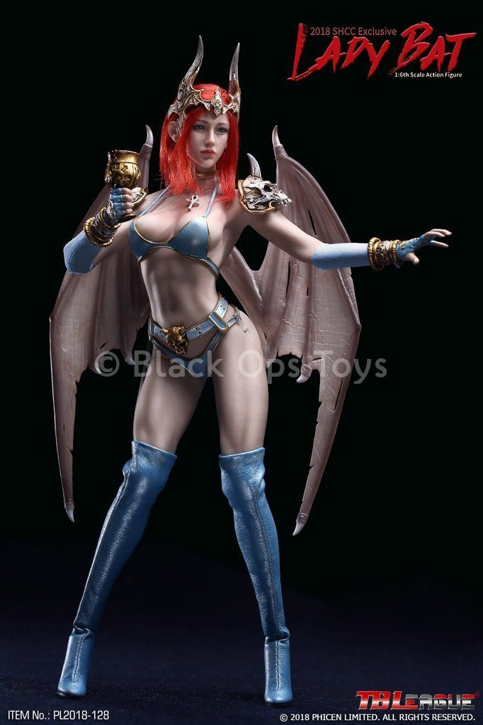 PREORDER Lady Bat 2018 SHCC Exclusive MINT IN BOX