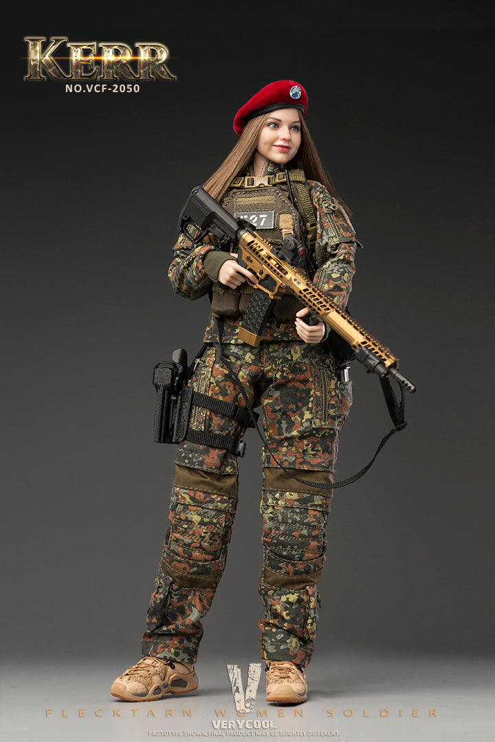Flecktarn Soldier Kerr - Radio w/Green Headset