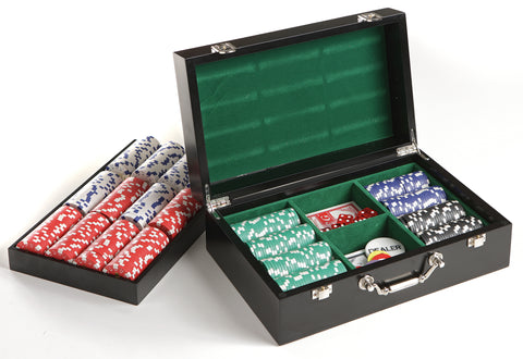 FREE Chip set with round Howard Miller Poker Table at pokertablesamericana.com