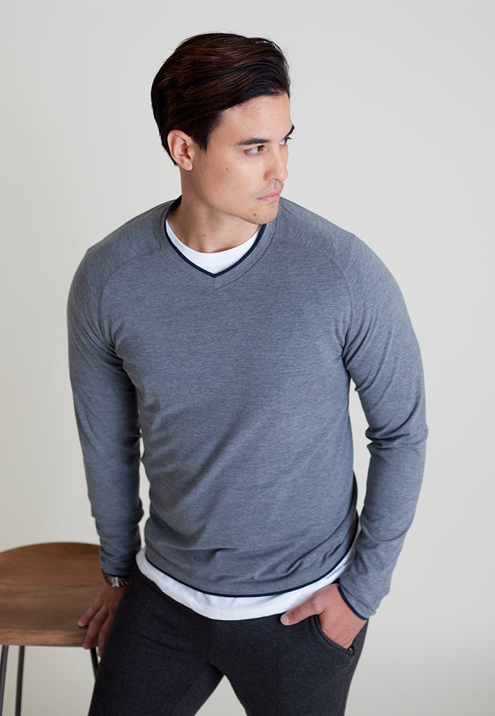 Seamless V-Neck Shirt - Buki