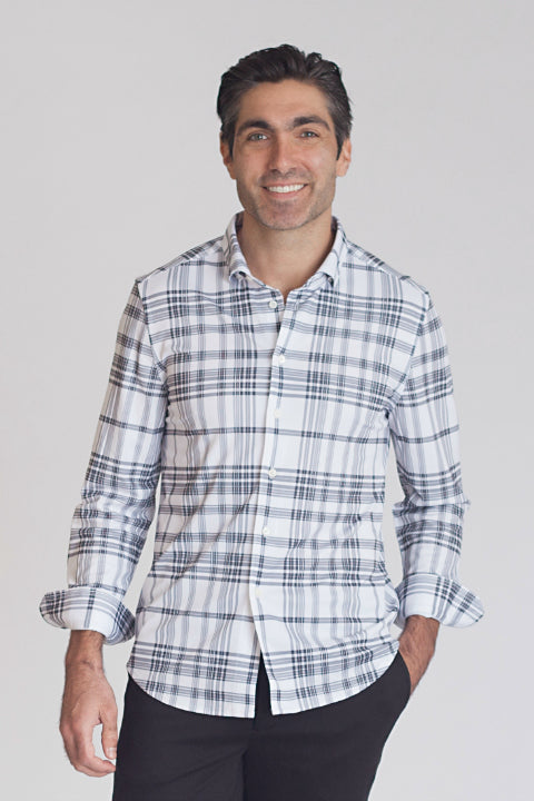 Buki men's Superplaid Shirt only looks like a traditional woven dress shirt - it's actually a super comfortable knit. Made with our technical fabric for thermoregulating comfort, this dress shirt is perfect for travel or a day at the office