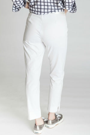 Buki's Jetsetter Pant is a modified jogger, stretch waistband with drawstring, and two front pockets