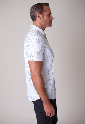 Buki's Boaty Shirt for men: Streamlined design with live-in-it comfort. Made with technical fabric to keep you dry and comfortable.