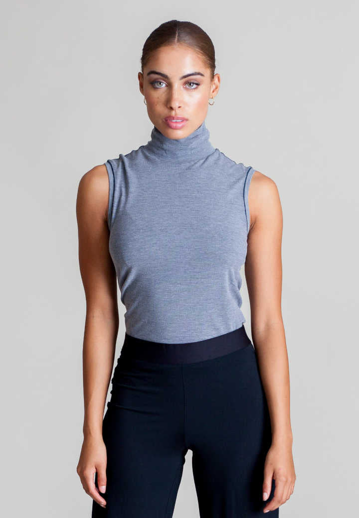 Sleeveless Turtleneck Shirt - Buki