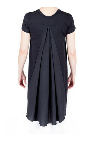 Buki's Twirl Tee has an awesome drape - the flowy back adds a bit of flair that will boost any wearer's style