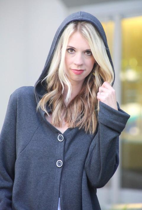 Fashion Blogger @blondegiraffe in her Buki Hometown Hoodie - the perfect blend of comfort and style