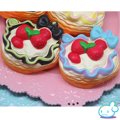 Bow Knot Strawberry Pie Cake Squishy